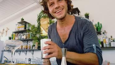 """Daniele Volpe, il """"Fox"""" della Flairproject, vincitore di 'Spirits': """"Noi bartender siamo come gli alchimisti, ma non offriamo la vita eterna, solo un modo per farla vivere meglio"""""""