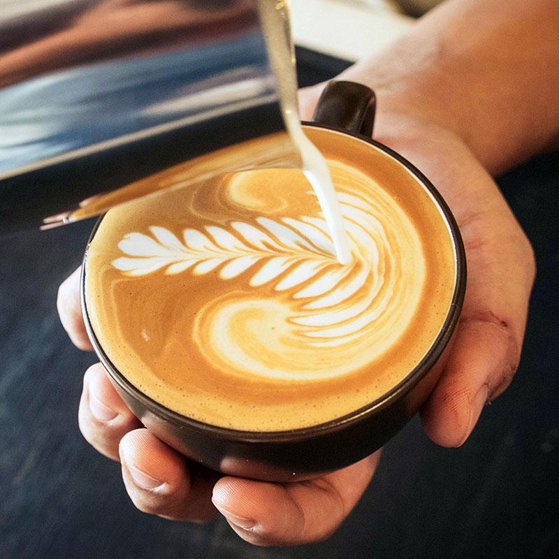 latte-art-corso-barman